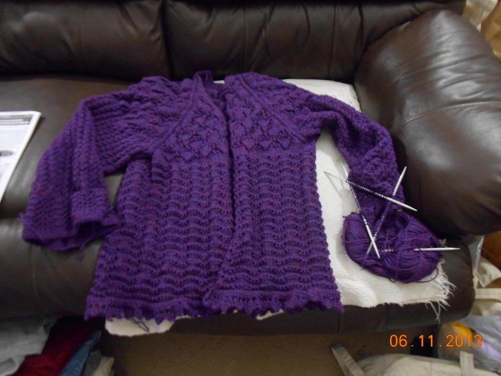 Yarn Along 12 June (1000x750)