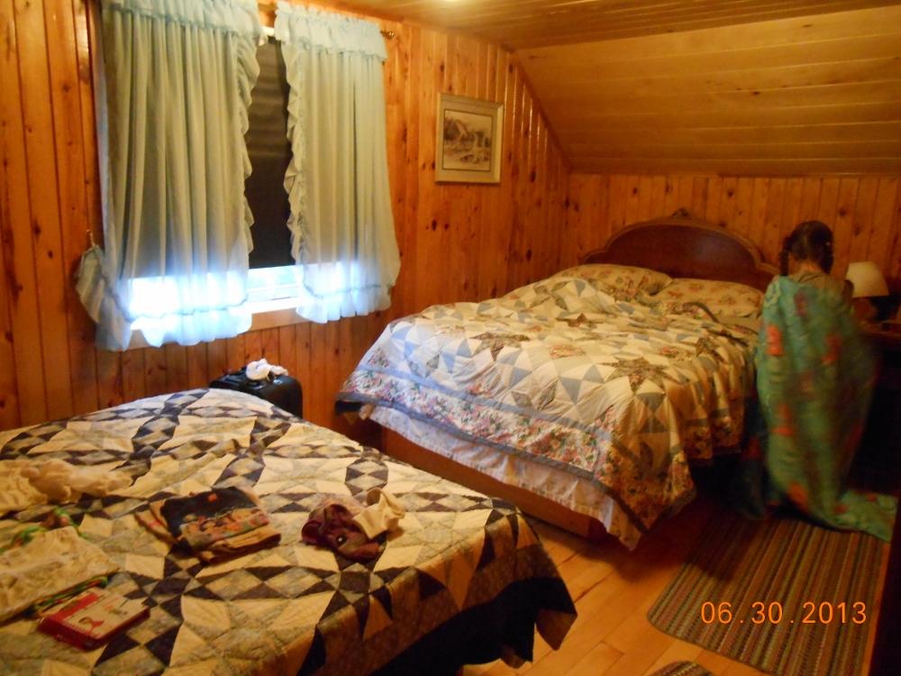 holiday -Ella's room (1000x750)