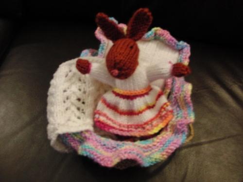Yarn Along 18 bunny (1000x750)